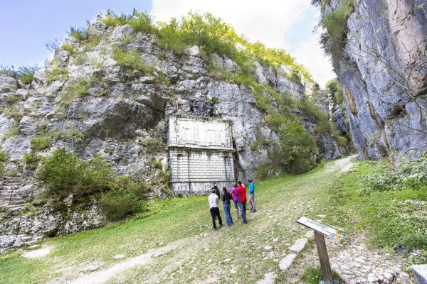 Saint-Christophe-la-Grotte
